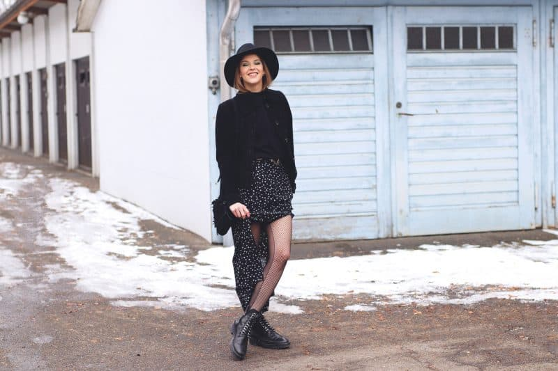 Black_Winter_outfit_I_Am_Metal_Heart_Swiss_Fashion_Blog_Schweizer_Mode_Blog
