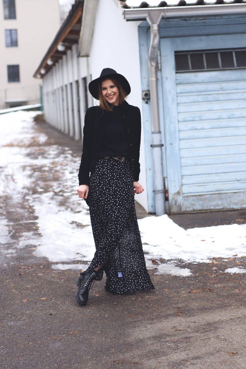 Black Winter Outfit & My New Year's Resolution