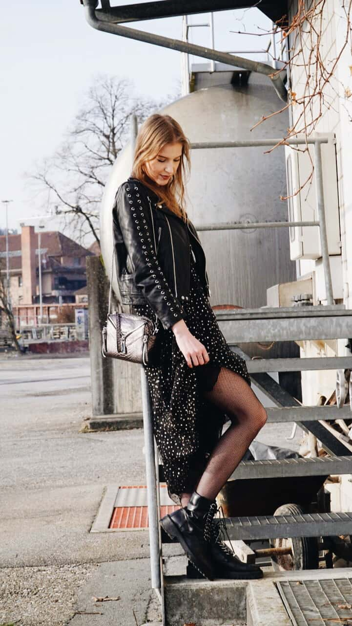 Glittery-Dress-and-Leather-Jacket-I-am-Metal-Heart-Swiss-Fashion-Blogger-Schweizer-Mode-Blog