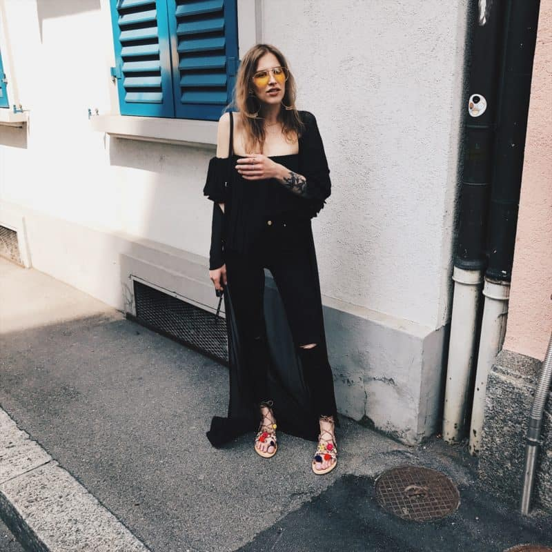 I_am_Metal_Heart_Swiss_Fashion_Blog_Mode_Blog_Schweiz_All_Black_Look_Tally_Weijl_Ochsner_Shoes